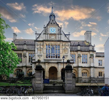 Oxford, Uk - April 28, 2018: History Faculty Of Oxford University On George Street.