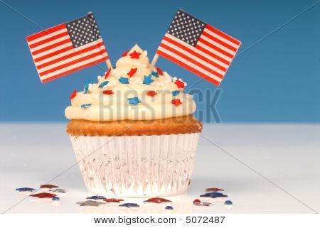 Vanilla Cupcake With 4Th Of July Theme
