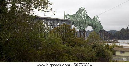 Cloudy Overcast Day Mccullough Memorial Bridge Coos Bay Oregon