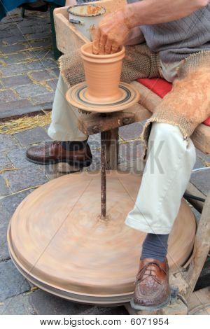 Loam pottery