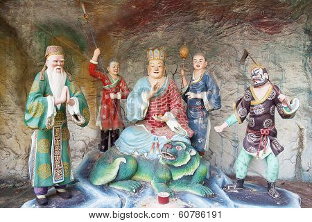 Di Zang Wang Buddha With Attendants Diorama