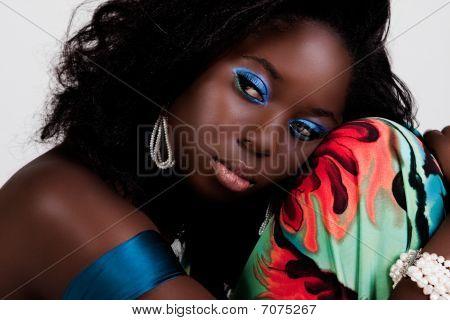 attraktive junge Frau ruhelosigkeit den Kopf