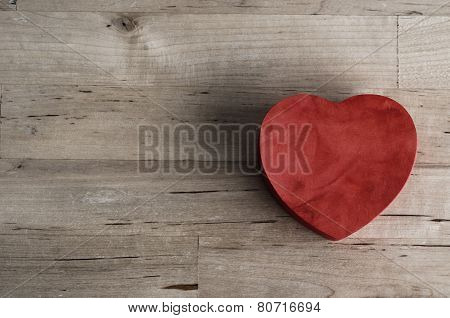 Red Heart Box On Wood - Overhead