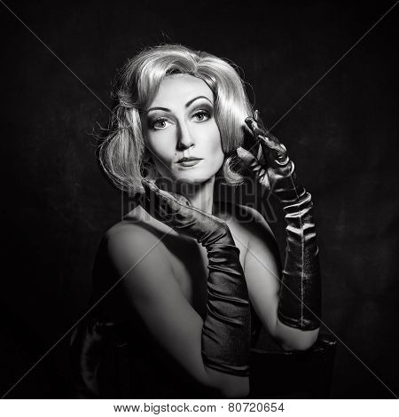 Vintage fashion girl