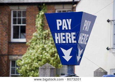 Pay Here Signpost