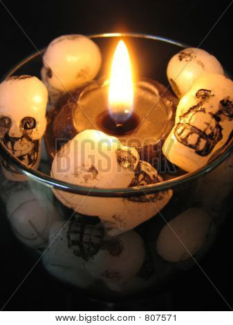 halloween candleclose