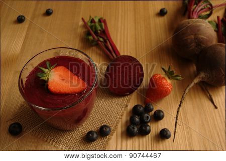 Beetroot (Beet) and Berry Smoothie