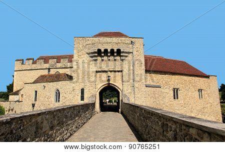 gateway to Leeds Castle, Britain