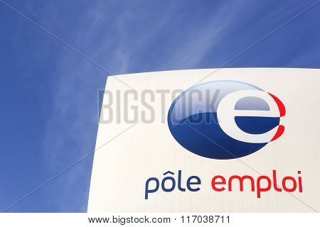Pole emploi sign in France
