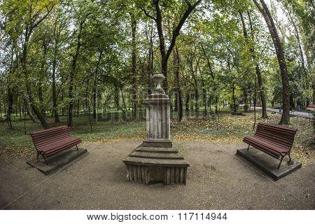 TARGU-JIU, ROMANIA-OCTOBER 08: Sculpture in Central Park   on October 08, 2014 in Targu-Jiu. Fisheye view.