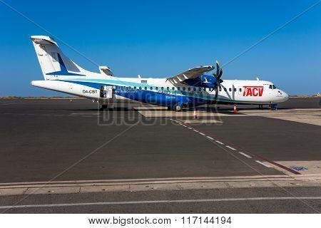 Atr 72 Passenger Aircraft TACV