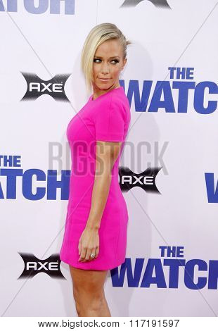 Kendra Wilkinson at the Los Angeles premiere of