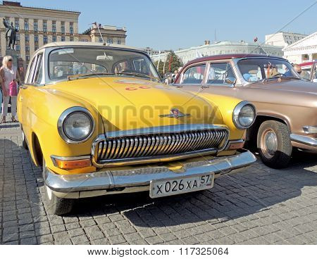 Gaz M21 Volga Third Series Yellow Color
