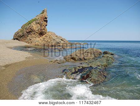 Warrior Rock , Sakhalin Island