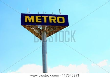 Singboard With Logo Of The Brand Metro