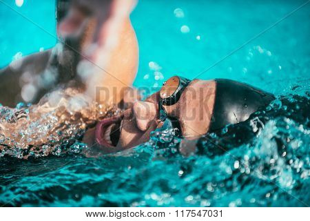 High speed swimming action