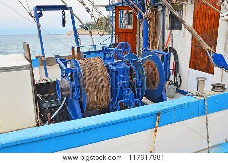 Anchor winch with hawser