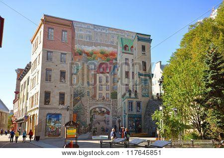 Quebec City Fresco (Fresque des Québécois), Canada