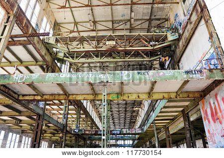 Gantry Crane: Abandoned