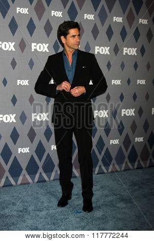 LOS ANGELES - JAN 15:  John Stamos at the FOX Winter TCA 2016 All-Star Party at the Langham Huntington Hotel on January 15, 2016 in Pasadena, CA