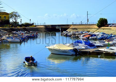 Motor boats moored in Faro Marina