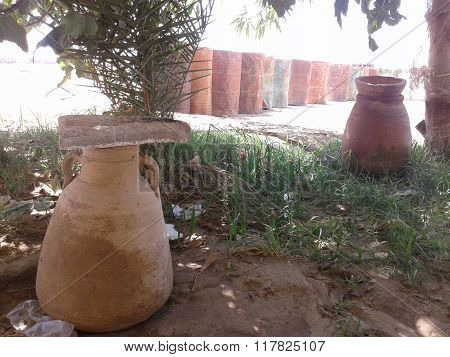 ancient Egyptian pottery vases