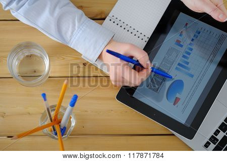 Business Woman  Brainstorming Data Target Financial Concept.