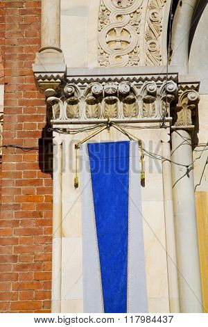 Wall Milan  In Italy Old   Church Concrete Wall  Brick   The    Blue