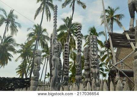 Tikis In Old Hawaiian House In A Big Island National Park, July 17, 2017. Big Island, Hawaii, USA, EEUU.