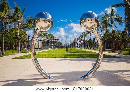 USA, FLORIDA, MIAMI BEACH - DECEMBER 2017: INSTALLATIONS ART BASEL MIAMI IN COLLINS PARK SOUTH BEACH.
