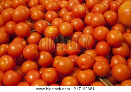 Cherry tomatoes, Solanum lycopersicum, vegetables vegetarian food