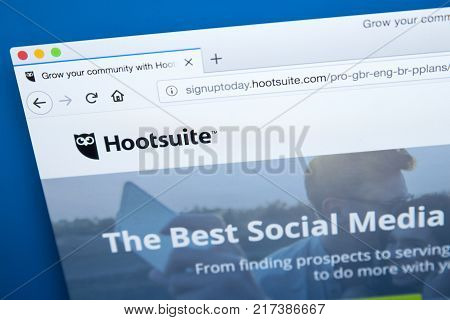 LONDON UK - NOVEMBER 20TH 2017: The homepage of the official website for Hootsuite - the social media management platform on 20th November 2017.