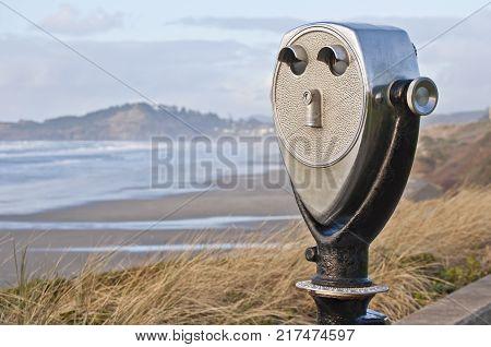 Location viewpoint viewer on pacific northwest coastline overlooking ocean coast.