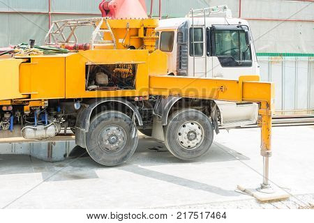 Concrete pumping machine able to pump concrete in large quantities at one time. It can save time and speed up concreting work.