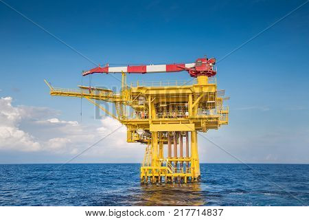 Oil and gas wellhead remote platform produced raw gas and oil then sent to central processing platform to seperate water,gas and condensate ( Crude oil )  then sent to onshore and tanker.