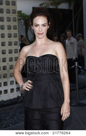 LOS ANGELES - AUG 30: Maggie Siff at the Season Three premiere screening of 'Sons of Anarchy' at the Cinerama Dome in Los Angeles, California on August 30, 2010