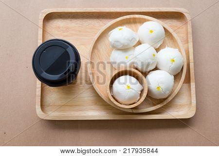 Cream buns steamed dumpling with hot drink