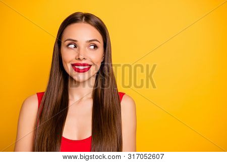 Close-up Portrait Of Nice-looking Attractive Lovely Lovable Chic Charming Cute Magnificent Fascinati