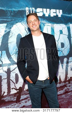 LOS ANGELES - AUG 12: Lincoln Bevers at the Premiere Of SyFy's