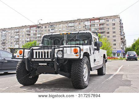 Kiev. September 9, 2016; White Hummer H1 In The City