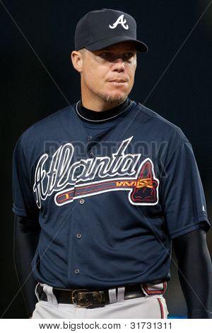 LOS ANGELES - 9 de abril: Atlanta Braves 3B Chipper Jones #10 durante o jogo MLB entre o Atlanta B