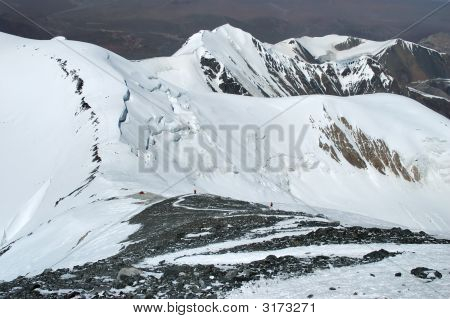 Trail from Base Camp 4 (Razdelniy pass) to the Lenin peak in Pamirs. Kyrgyzstan-Tadjikiston border. poster