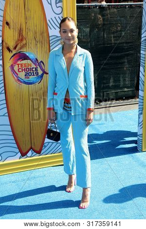LOS ANGELES - AUG 11:  Maddie Ziegler at the Teen Choice Awards 2019 at Hermosa Beach on August 11, 2019 in Hermosa Beach, CA