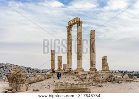 Amman, Jordan - October 15, 2018: Temple Of Hercules, Roman Corinthian Columns At Citadel Hill, Amma