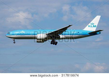 Amsterdam / Netherlands - July 3, 2017: Klm Royal Dutch Airlines Boeing 777-200 Ph-bqb Passenger Pla