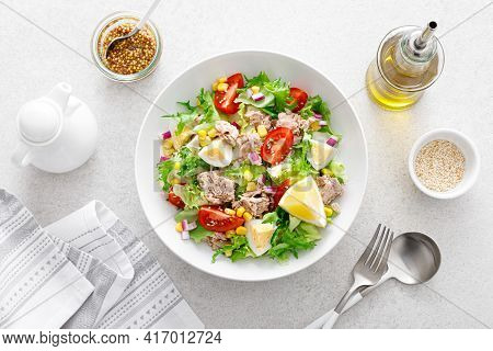 Tuna Salad With Boiled Egg, Tomato, Lettuce, Corn And Red Onion. Healthy And Detox Food Concept. Ket