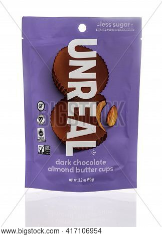 Winneconne, Wi - 15 April 2021:  A Package Of Unreal Dark Chocolate Almond Butter Cups On An Isolate