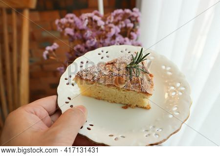 Almond Cake, Cake Or Vanilla Cake With Almond Topping For Serve