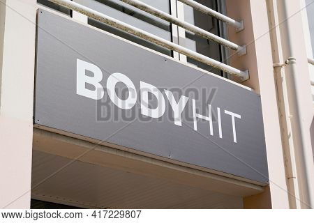 Bordeaux , Aquitaine France - 04 12 2021 : Bodyhit Logo Brand And Text Sign Front Of Sport Agency Fo