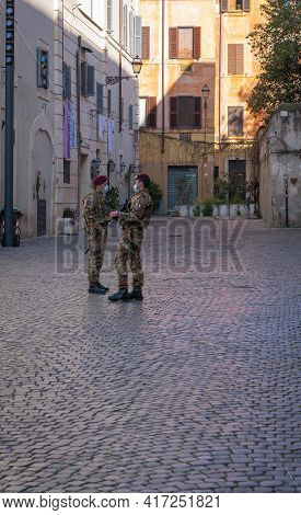Rome, Italy - March 28, 2021, Two Masked Police Officers During A Pandemic (covid2019) In Rome, Ital